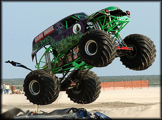 Monster Trucks Grave Digger WallpaperRahasia Galeriku
